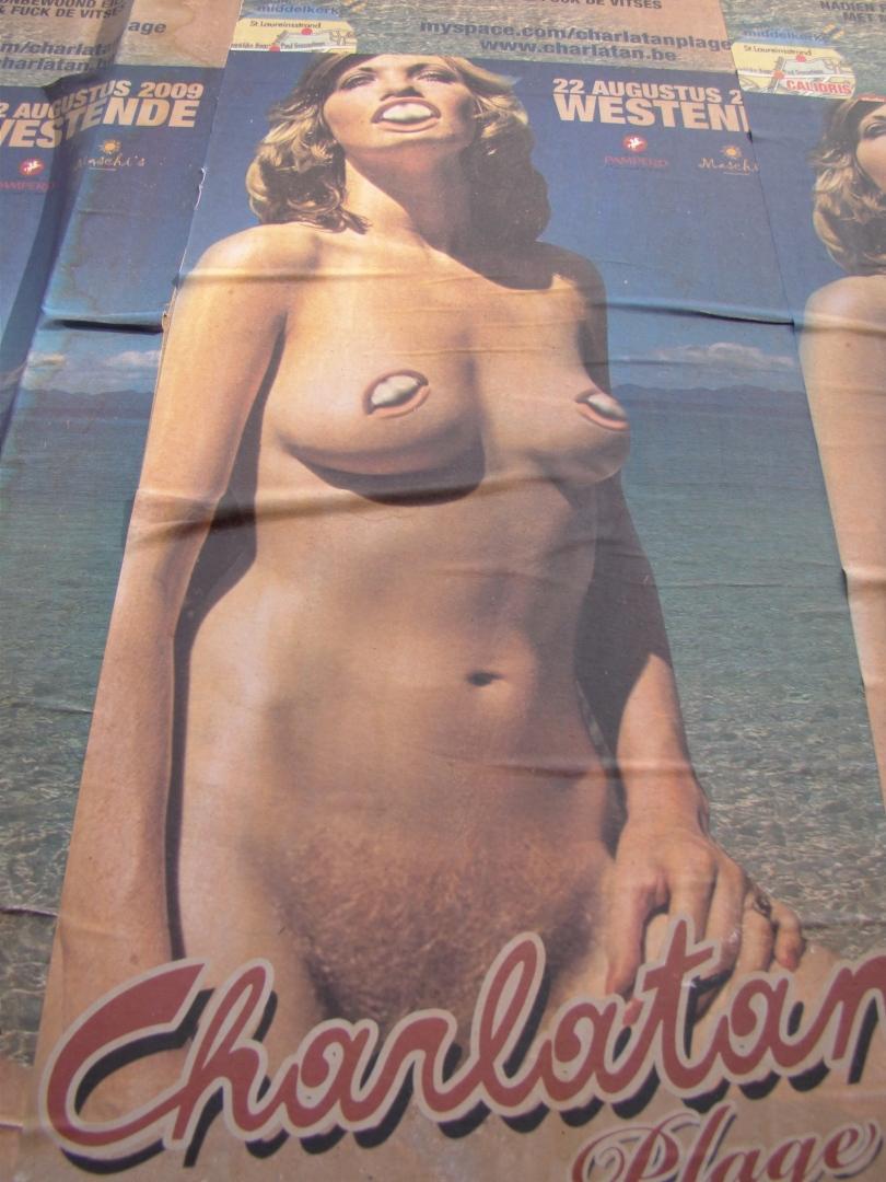 De dame op de affiche van de Charlatan heeft anders ook ervaring met kamerbreed tapijt.