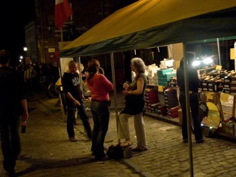 Tijdens de Patersholfeesten kunt ge tot een gat in de nacht schoenen kopen in Oudburg.