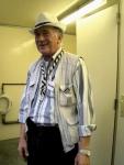 De sympathieke Roland is wc-madam op de Vlasmarkt. Indien nodig komt hij uw bips droogwrijven.