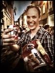Dirk-Jan is een Nederlander. Je herkent hem aan zijn Belgisch bier uit blik.