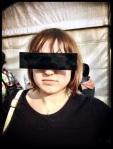 Een streepje zon ga je te lijf met een balkje censuurbril.
