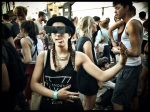 Gewaagde dansbewegingen komen bijzonder goed tot hun recht op de ochtendlijke Vlasmarkt.