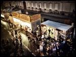 Het spreekt voor de bezoekers van de Vlasmarkt dat ze de hamburgers en andere fastfood links laten liggen.