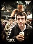 De Vlasmarkt tolereert de meest vreemdsoortige wezens, zelfs konijnen met een verslaving aan Irish coffee.