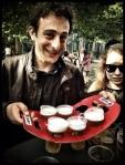 Met een verontschuldigende glimlach brengt Tiemen ons nieuw bier. 'Sorry, ik kon het echt niet laten.'