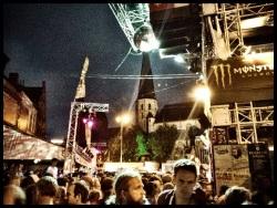 In welke andere discotheek dan de Vlasmarkt vind je een middeleeuwse kerk onder de discobal?